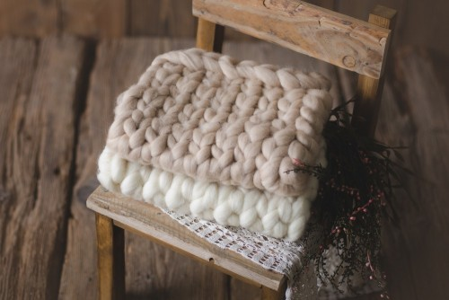 WOOLEN BRAIDED BLANKET